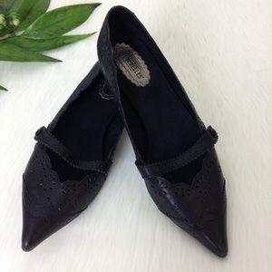 Seychelles Black Leather Laser Cut Kitten Heels
